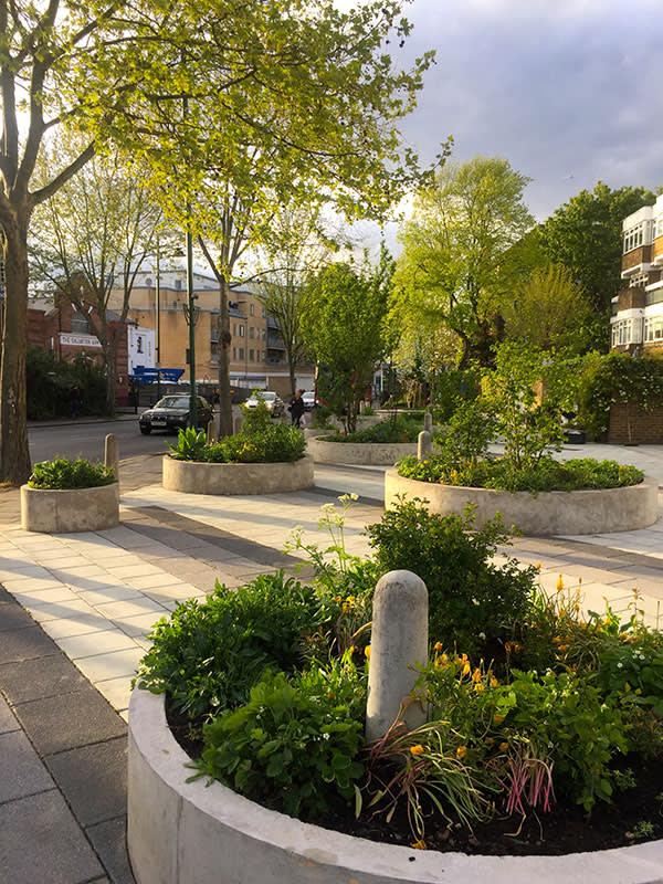 Edible Bus Stop's Hoopla Garden in West Norwood, London