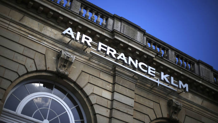 A picture taken on October 9, 2015 shows the facade of the headquarters of the airline company Air France KLM in Paris. AFP PHOTO / THOMAS SAMSON (Photo credit should read THOMAS SAMSON/AFP/Getty Images)