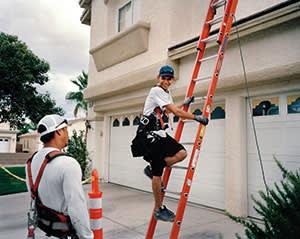 Sunrun contractors install solar panels in Las Vegas