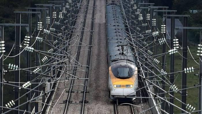 Eurostar profits hit by Paris attacks | Financial Times