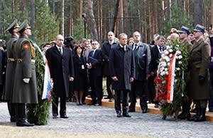 Vladimir Putin with Polish prime minister Donald Tusk