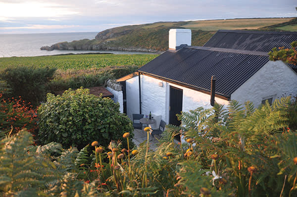 The Cable Hut, Abermawr