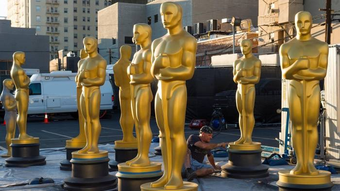 Oscar statuettes are seen as workers make preparations for the 88th Annual Academy Awards at Hollywood & Highland Center, Hollywood, California, on February 24, 2016.  / AFP / VALERIE MACON        (Photo credit should read VALERIE MACON/AFP/Getty Images)