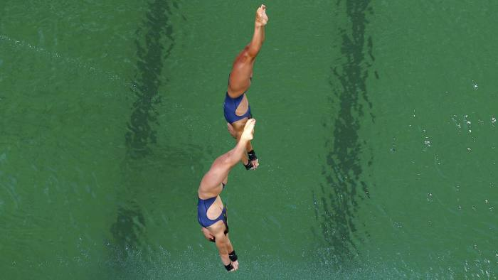 2016 Rio Olympics - Diving - Final - Women's Synchronised 10m Platform - Maria Lenk Aquatics Centre - Rio de Janeiro, Brazil - 09/08/2016. Tonia Couch (GBR) of United Kingdom and Lois Toulson (GBR) of United Kingdom compete. REUTERS/Michael Dalder FOR EDITORIAL USE ONLY. NOT FOR SALE FOR MARKETING OR ADVERTISING CAMPAIGNS.