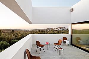 Villa Extramuros, designed by Jordi Fornells