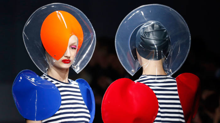 Models present creations by Japanese designer Junya Watanabe for Comme des Garcons as part of his Spring/Summer 2015 women's ready-to-wear collection during Paris Fashion Week September 27, 2014. REUTERS/Charles Platiau (FRANCE - Tags: FASHION)