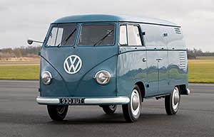 8f93a33e6ce66d Camping in a VW classic van