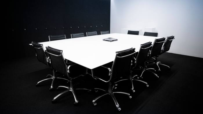 C01G90 contemporary Conference room