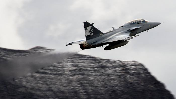 Gripen outmanoeuvres bigger rivals in Brazilian dogfight | Financial