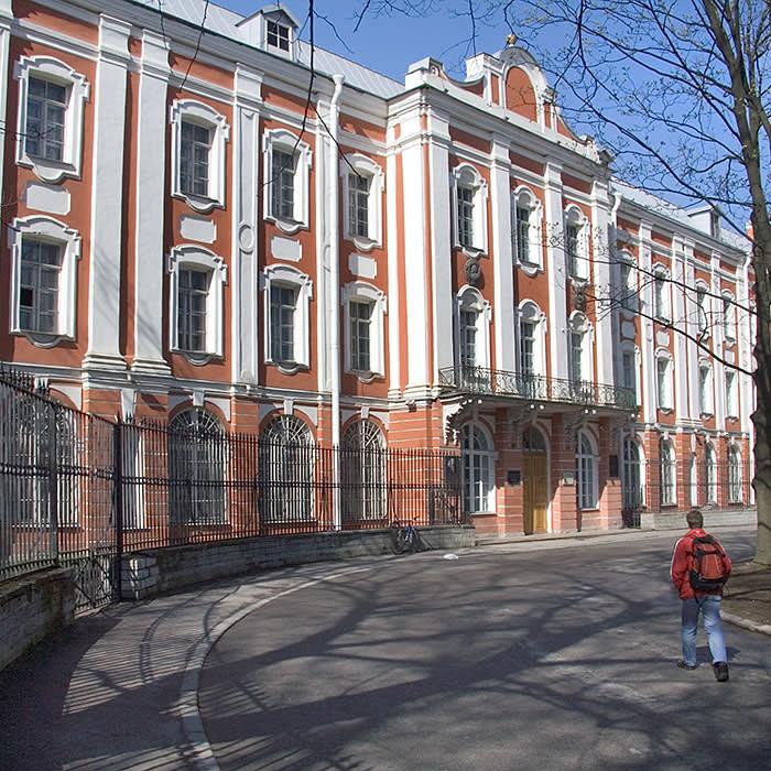 University - The building of St.Petersburg State University, Russia. ID 2627198 © Nikolaev | Dreamstime.com