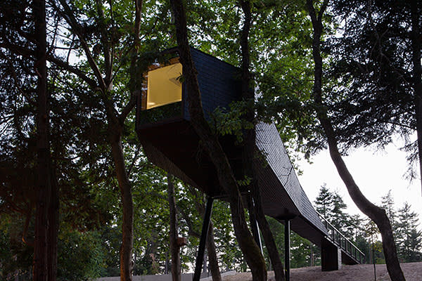 The tree houses created by Luis Rebelo de Andrade at the Pedras Salgadas nature park