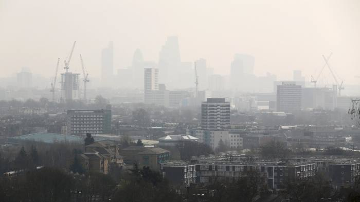 UK air pollution linked to car accidents | Financial Times