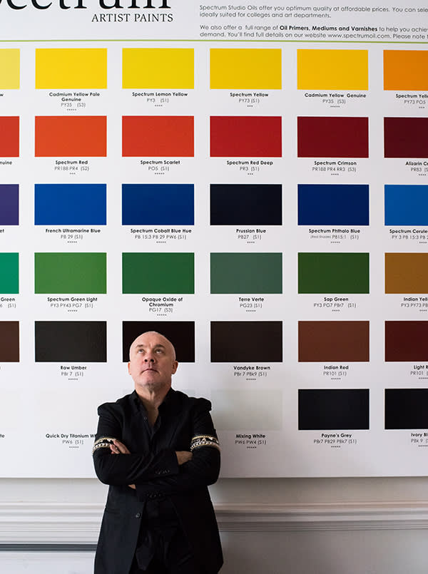 Damien Hirst in front of Spectrum for Artists, 2015