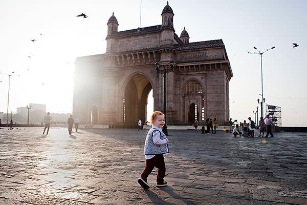 Mumbai, India- 12 March 2016: Alexander playing at Gateway of India.