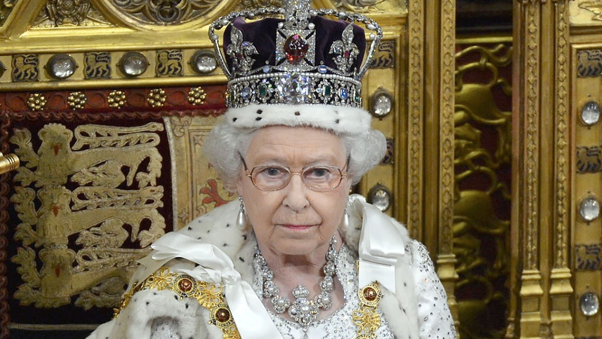 Queen takes power from weir on Thames for Windsor Castle | Financial Times