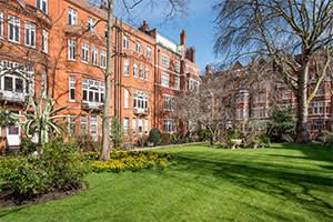 Four-bedroom apartment in Cadogan Gardens, London