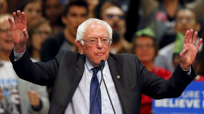 Democratic U.S. presidential candidate Bernie Sanders holds a campaign rally in San Diego, California, in this file photo taken March 22, 2016.  Fresh from Democratic presidential primary wins over the weekend in three U.S. states, Sanders on Sunday claimed political momentum he said could help him win the backing of Democratic power brokers in his race against Hillary Clinton.     REUTERS/Mike Blake/Files