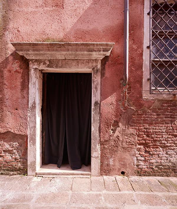 Doorway of the Oratorio di San Ludovico, future base for Ikon Icona