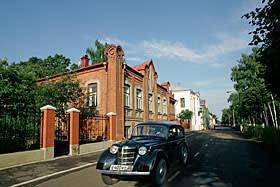 Novozhilov House, one of the properties that make up the Sobornaya Sloboda 'dacha hotel'