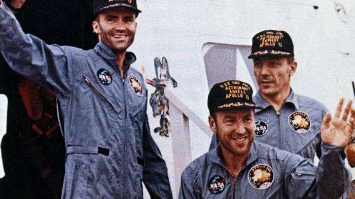 Apollo 13 astronauts arrive home