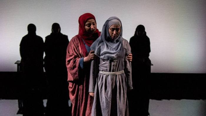 Exiled Syrian women tell their stories in 'Queens of Syria'