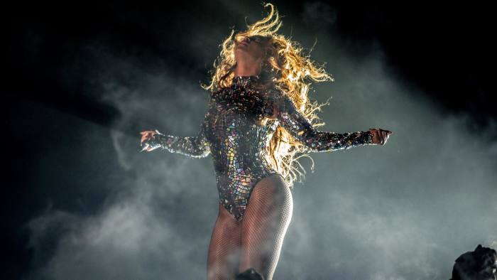 INGLEWOOD, CA - AUGUST 24: Recording artist Beyonce performs onstage during the 2014 MTV Video Music Awards at The Forum on August 24, 2014 in Inglewood, California. (Photo by Christopher Polk/MTV1415/Getty Images for MTV)