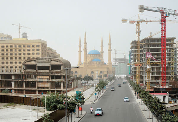 The Mohammad al-Amin Mosque in central Beirut, inaugurated in 2008, surrounded by ongoing reconstruction work