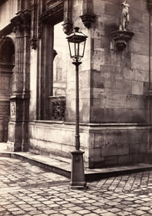 A picture by Charles Marville of a lamppost at the entrance to the Ecole des Beaux-Arts