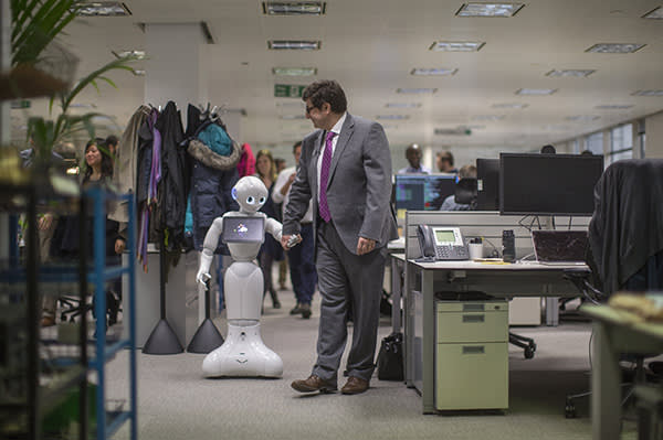Pepper the robot visits the FT