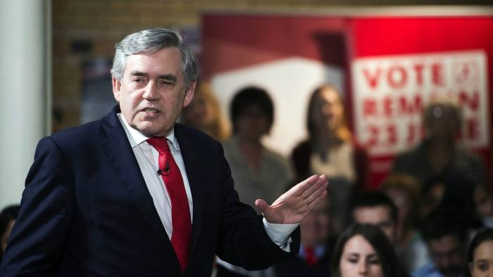 epa05362190 Former British prime minister Gordon Brown delivers a speech at a 'Remain In' event in Leicester, Britain, 13 June 2016. Britons will vote on whether to remain in or leave the EU in a referendum on 23 June 2016. EPA/WILL OLIVER