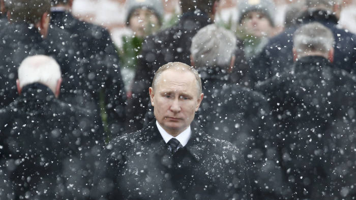 Russian President Vladimir Putin attends a wreath laying ceremony to mark the Defender of the Fatherland Day at the Tomb of the Unknown Soldier by the Kremlin wall in central Moscow, Russia February 23, 2017. REUTERS/Sergei Karpukhin TPX IMAGES OF THE DAY