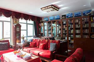 Rao Yi's sitting room