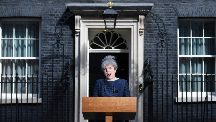 epa05913268 British Prime Minister Theresa May delivers a statement outside 10 Downing Street in London, Britain, 18 April 2017. British Prime Minister Theresa May has announced that she will call for a snap general election for 08 June. EPA/ANDY RAIN