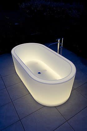 Oio bath, by Michel Boucquillon, €3,500, antoniolupi.it