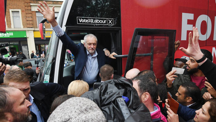 epa05972772 Britain's Labour Leader, Jeremy Corbyn (C) greets supporters during a campaign event in Southall London, Britain, 18 May 2017. Voters go to the Polls in Britain on 08 June 2017 to elect a new Government. EPA/FACUNDO ARRIZABALAGA