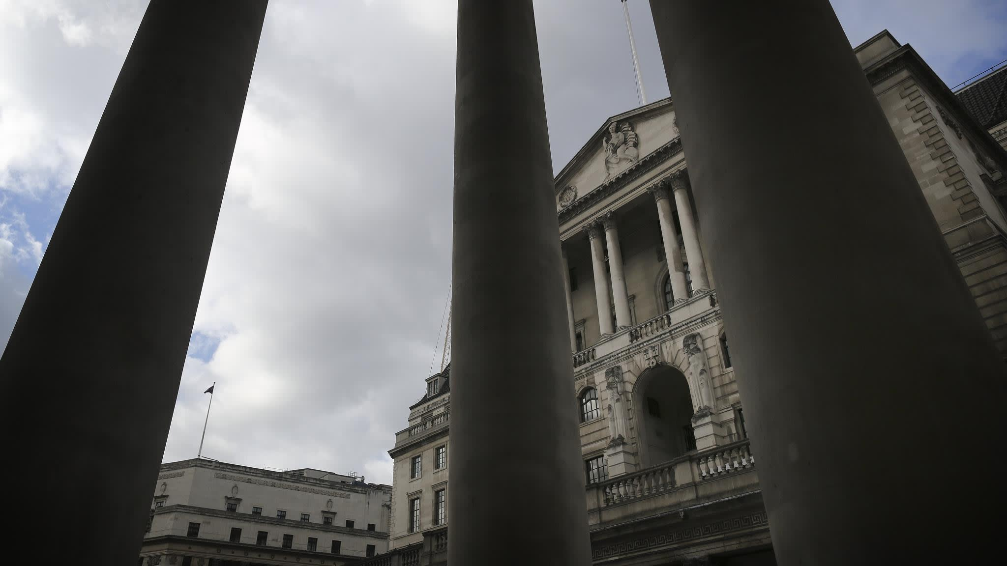 Bank of England keeps interest rates on hold | Financial Times