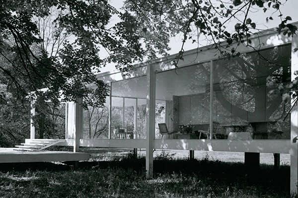Ludwig Mies van der Rohe's Farnsworth House
