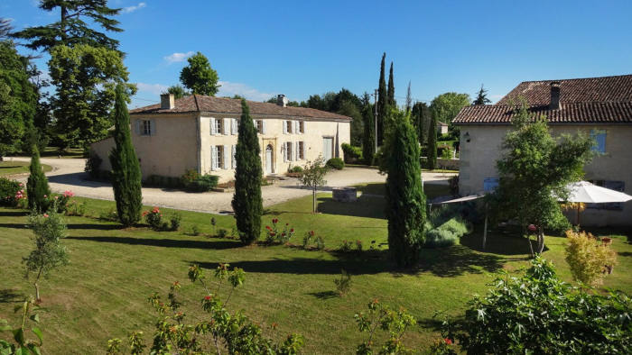 Four-bedroom house, near St Emilion, with 30-hectare vineyard, €3.177m