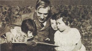 Kornei Chukovsky, a founding member of The Rainbow publishing group, reading to children (1932)