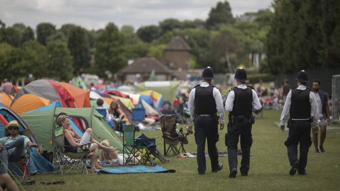 Wimbledon tennis fans line up for a British tradition: 'The Queue' |  Financial Times
