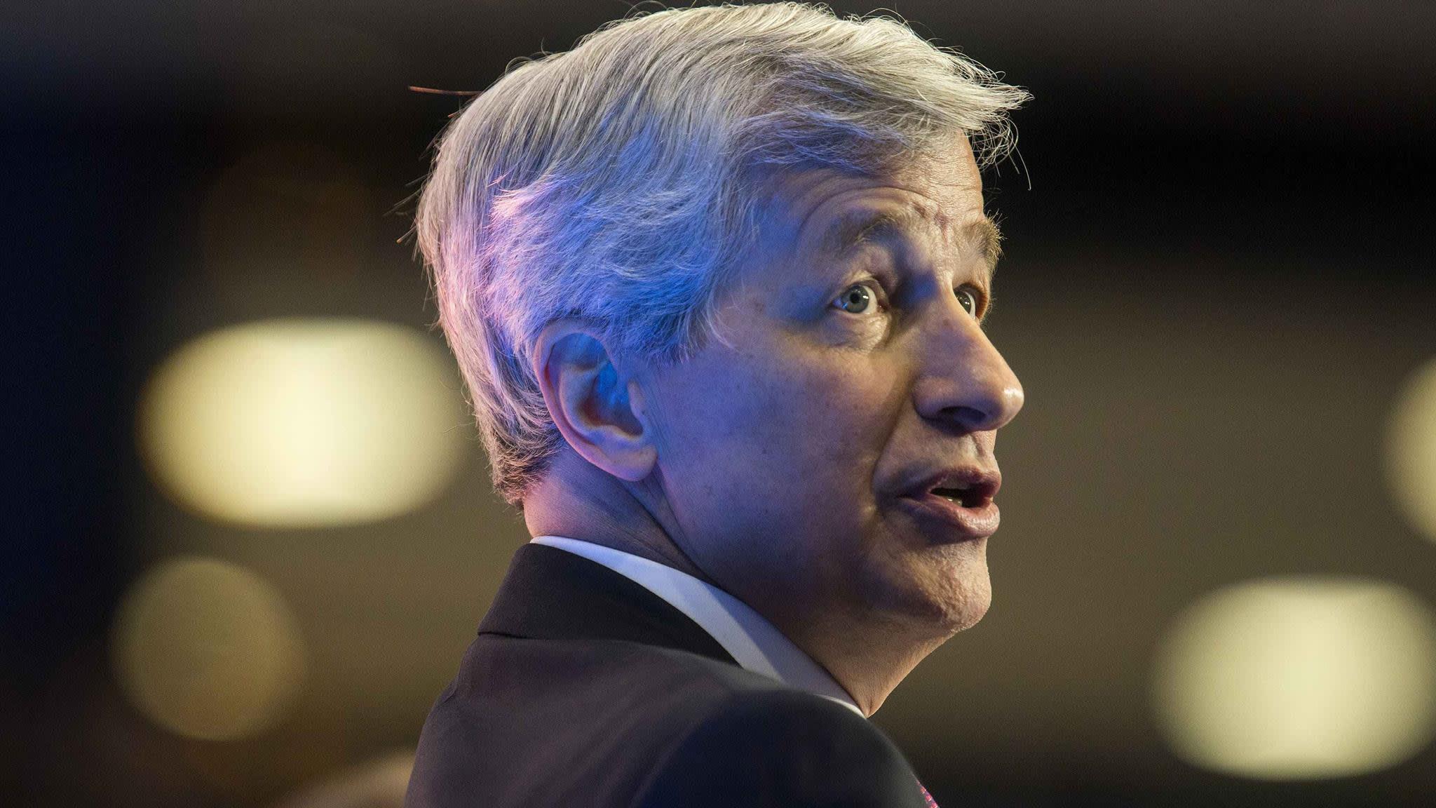 JPMorgan sets aside $1bn for forex probe
