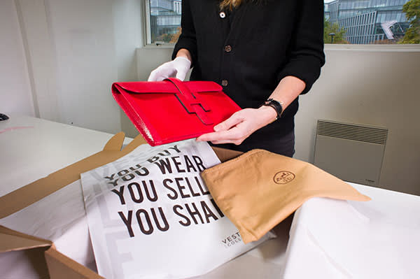 Vestiaire inspects merchandise