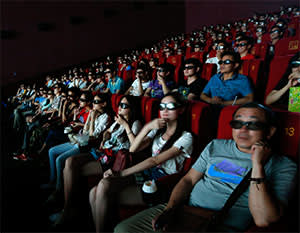 Film fans in Wuhan watch the new 'Transformers' in 3D