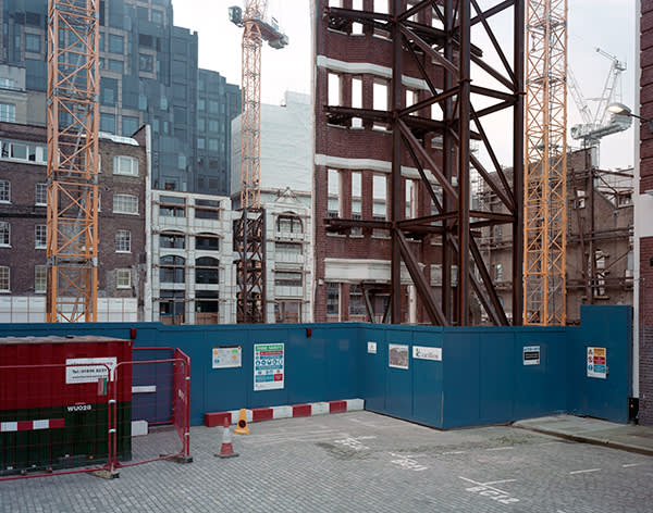 BART'S SQUARE A retained façade on the site of the new retail, office and residential development adjacent to Bart's Hospital in Smithfield, EC1