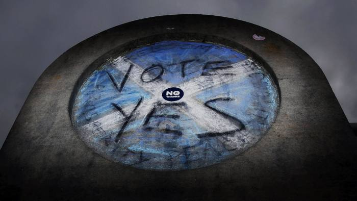 A wall in Princes Street Gardens in Edinburgh, Scotland, as the Scottish independence referendum campaign continues. PRESS ASSOCIATION Photo. Picture date: Tuesday September 2, 2014. See PA story REFERENDUM Main. Photo credit should read: Danny Lawson/PA Wire