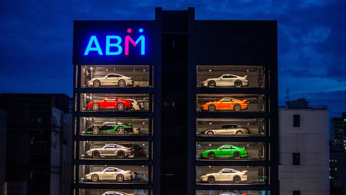 9abadee1f7 Autobahn Motors has already set up a futuristic showroom in Singapore