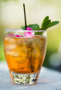 The Pink 'un/The 125 cocktail