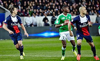 PSG's Zlatan Ibrahimovic and Alex flank Saint-Etienne's Josuha Guilavogui