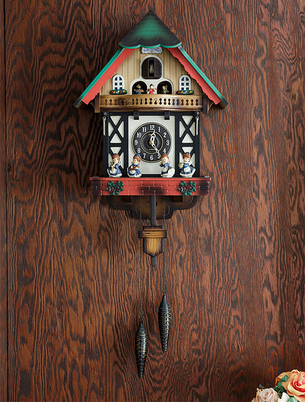 Wall clock, a gift from Hatoyama's secretaries