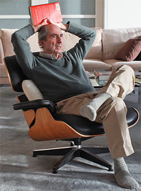 Philip Roth in his New York apartment in 2012